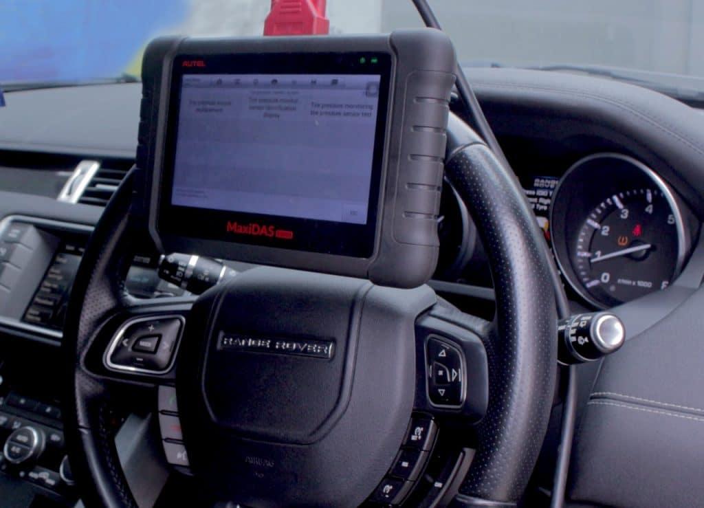 Penyebab Utama Indikator Check Engine Mobil Menyala
