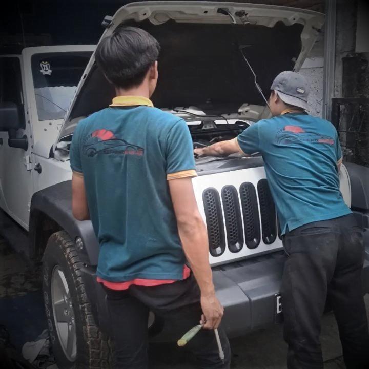 Service Jeep Wrangler Rubicon Ganti Oli Mesin, Ganti Oli Transmisi, Tuneup Carbon Clean